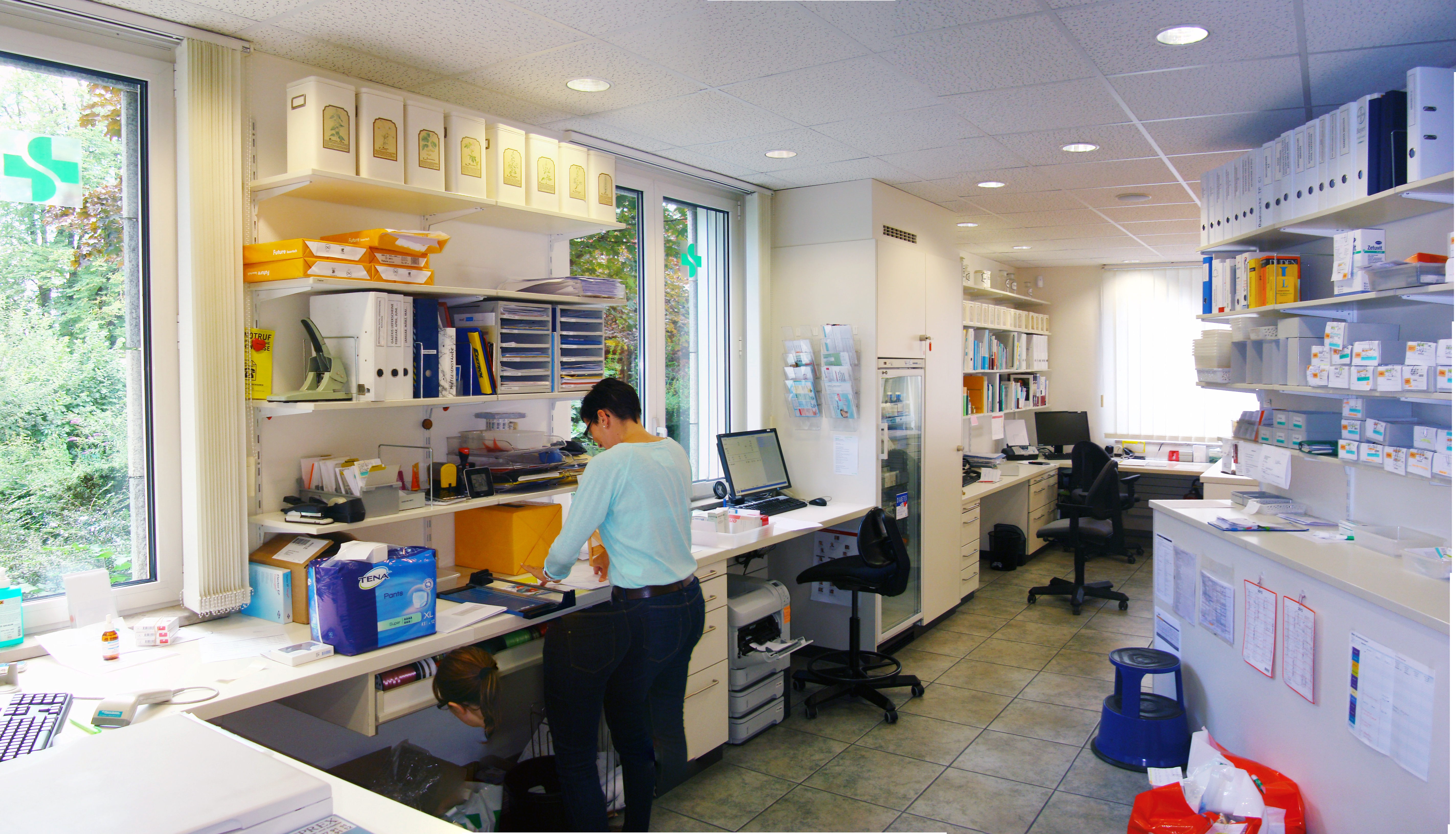 Back-Office Arbeiten - TopPharm Kapuziner Apotheke, Rheinfelden
