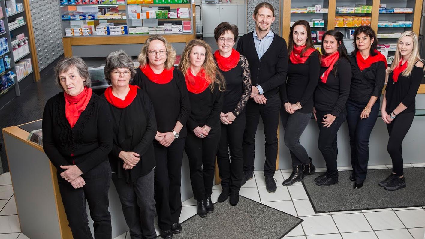 Team der TopPharm Zollweiden Apotheke Münchenstein (BL)
