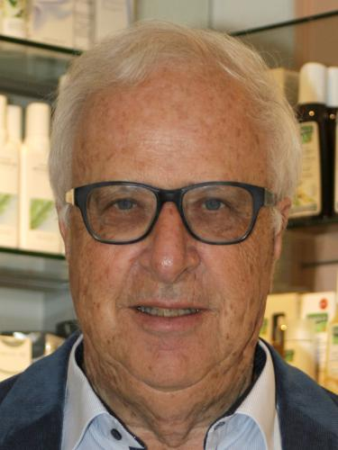 Dr. Niklaus Hoeriger / TopPharm Batterie Apotheke / Ihr Gesundheits-Coach