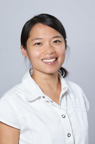 Dr. Le-Ha Locher / TopPharm Apotheke Dorenbach - Binningen