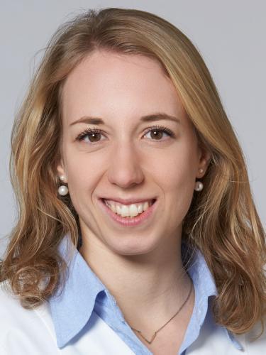 Eliane Randecker / Apothekerin in Ausbildung / TopPharm Apotheke Kunz