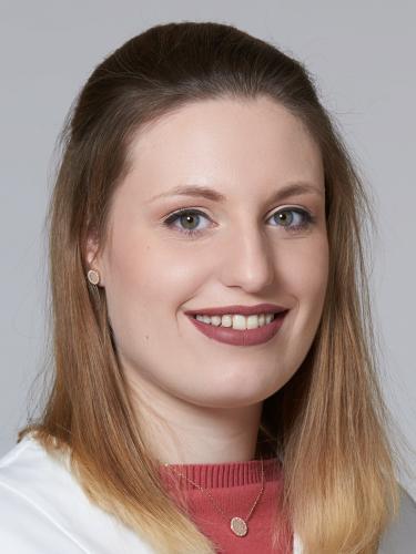 Lara Lara / Drogistin / TopPharm Apotheke Kunz